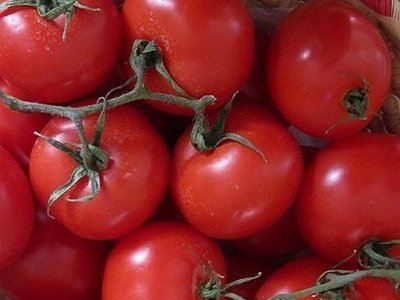Tomatoes contain lycopene which helps repair cells